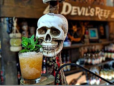 Devils Reef skull and drink Picmonkey